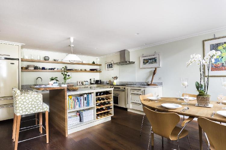 beautiful London Petersham Mews II luxury apartment and vacation rental