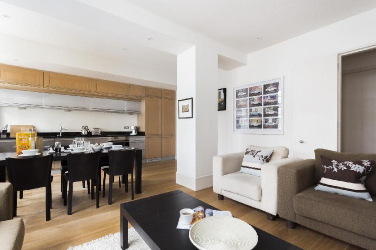 charming London Great Portland Street luxury apartment and vacation rental