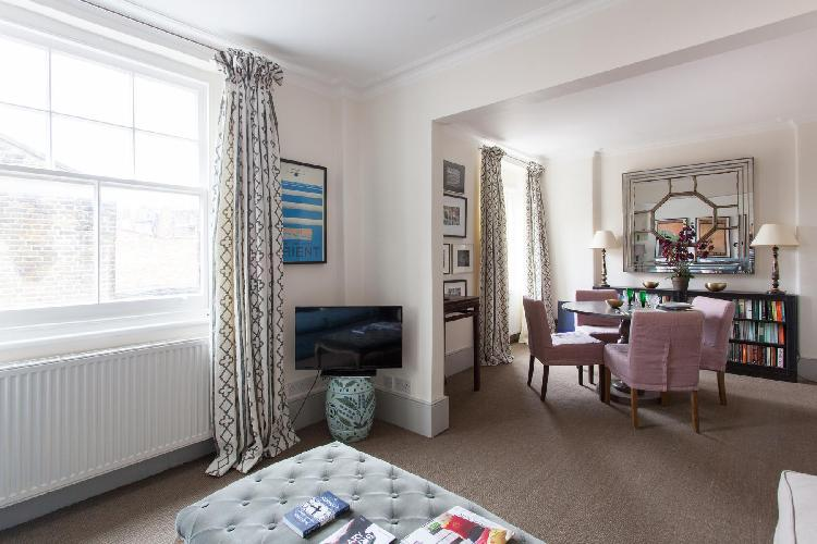 charming sitting area in London Royal Hospital Road luxury apartment