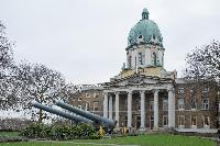 the National War Museum near London St Mary's Gardens II luxury apartment