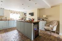 beautiful London St Mary's Gardens II luxury apartment and vacation rental