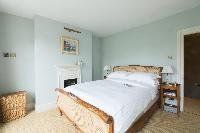 fully furnished London St Mary's Gardens II luxury apartment
