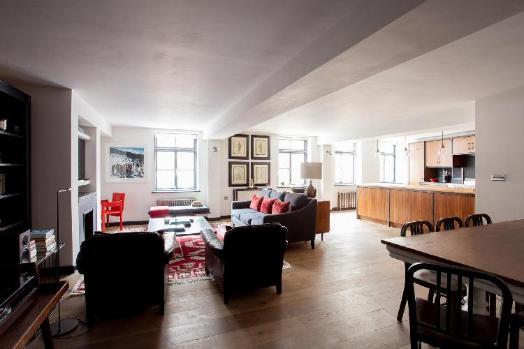 exquisite London Calvin Street luxury apartment and holiday home