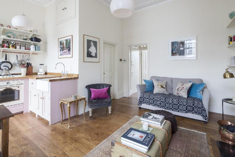 awesome London Princess Road III luxury apartment and holiday home