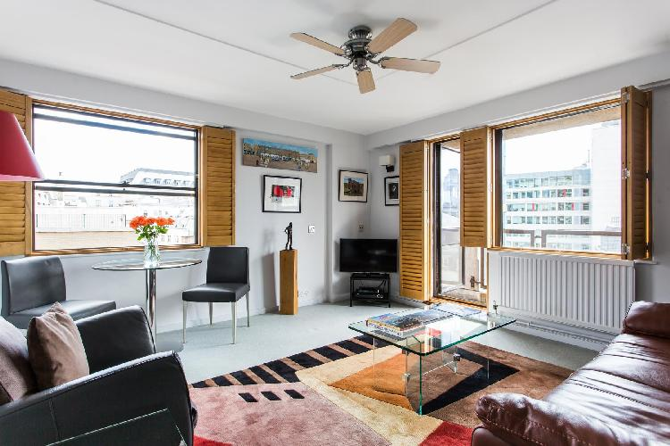 beautiful London Newton Street luxury apartment and holiday home