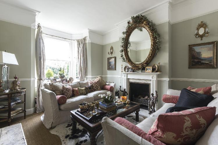 gorgeous multilevel Inner London Dempster Road luxury apartment and vacation rental near East Putney