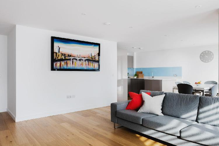 spacious, well-appointed London Weston Street III luxury apartment