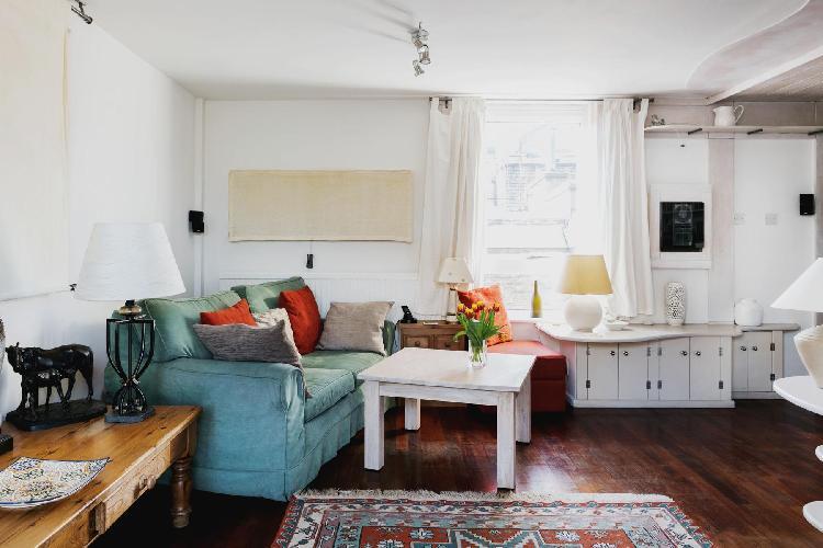 spacious London Odhams Walk luxury apartment