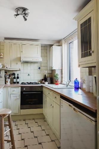 fully furnished London Odhams Walk luxury apartment