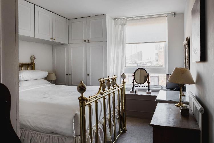 awesome London Odhams Walk luxury apartment