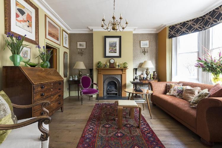 charming London Leysfield Road luxury apartment