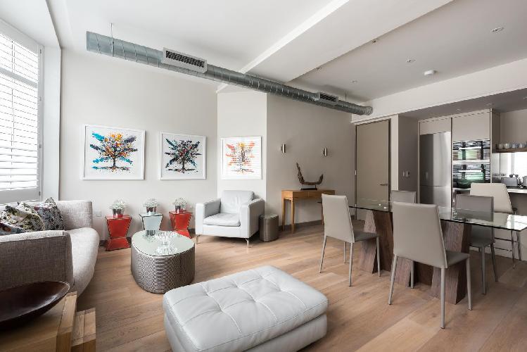 charming and cheery London Berners Street III luxury apartment