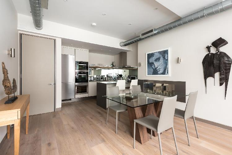 nifty and nice London Berners Street III luxury apartment and vacation rental