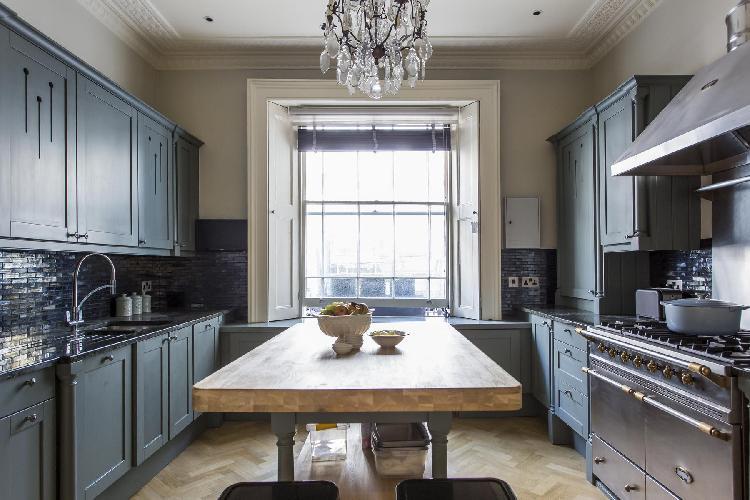 fully furnished London Ovington Gardens luxury apartment