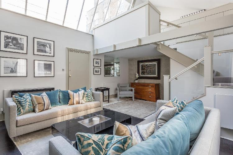 charming London Lamont Road IV luxury apartment and holiday home