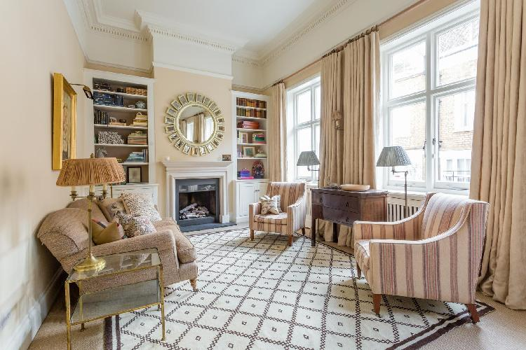 charming and chic London Cornwall Gardens XX luxury apartment and holiday home