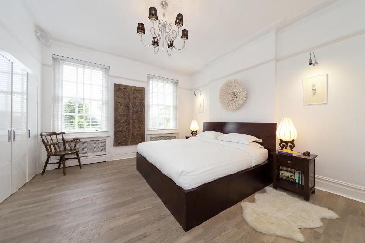 fully furnished London Mapesbury Road luxury apartment