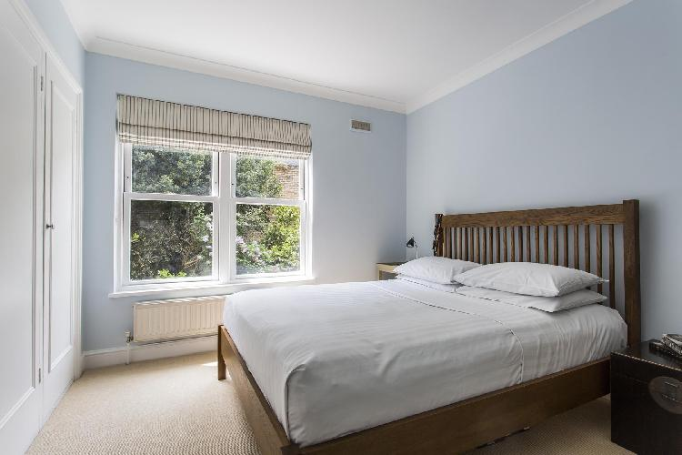 lovely bedroom in London Harcourt Terrace luxury apartment