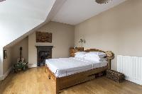 pleasant bedroom in London Mayfield Avenue II luxury apartment