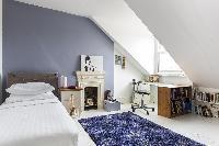 placid bedroom in London Mayfield Avenue II luxury apartment