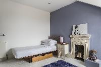 snug bedroom in London Mayfield Avenue II luxury apartment