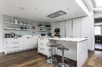 awesome modern kitchen of London Mayfield Avenue II luxury apartment