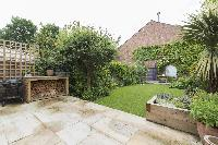 lovely and lush garden of London Mayfield Avenue II luxury apartment