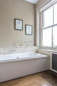 lovely bathtub in London Mayfield Avenue II luxury apartment