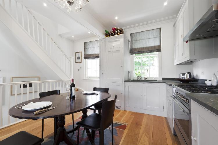 cool London St Anns Road luxury apartment and holiday home