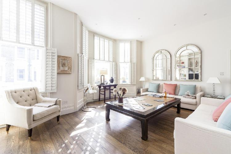 beautiful London Stafford Terrace luxury apartment and holiday home