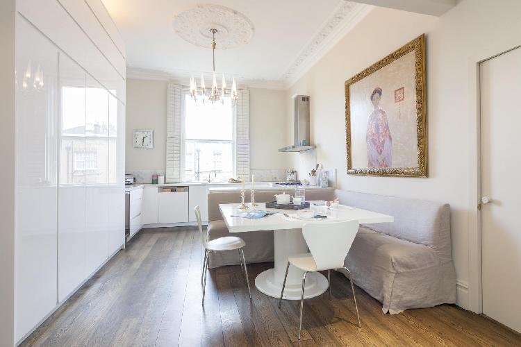 lovely London Stafford Terrace luxury apartment and vacation rental
