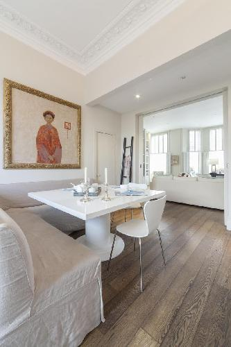 delightful dining room of London Stafford Terrace luxury apartment