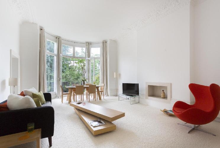 spacious London Belsize Park IV luxury apartment