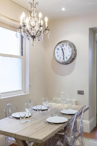 nice dining area in London Gledhow Gardens V luxury apartment