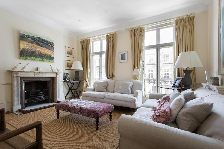 beautiful London Sydney Street II luxury apartment and holiday home