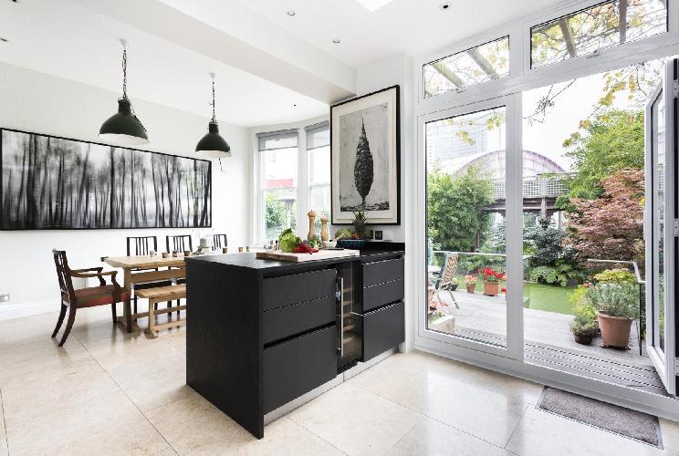 beautiful London Philbeach Gardens II luxury apartment and holiday home