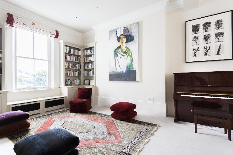 charming London Philbeach Gardens II luxury apartment
