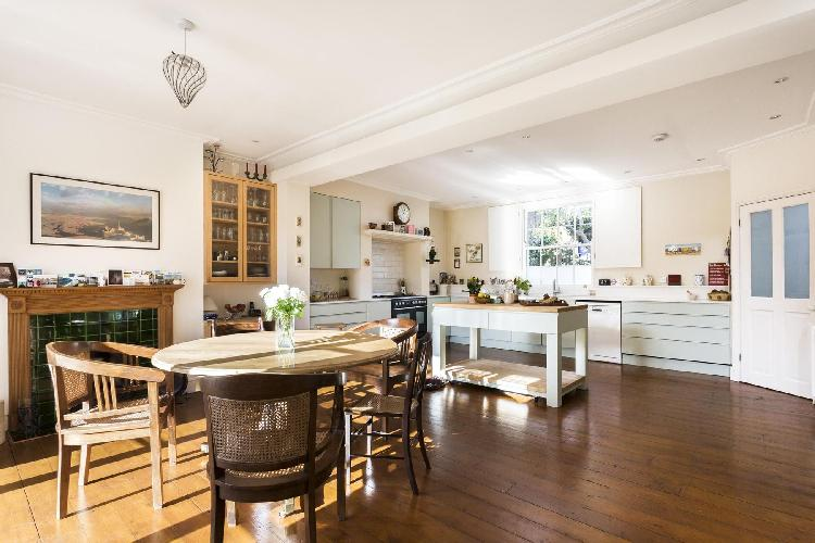 beautiful London Northchurch Road luxury apartment and holiday home