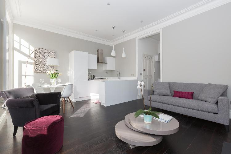 delightful London Callow Street III luxury apartment