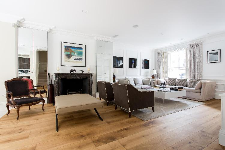 pretty London Waterford Road II luxury apartment and vacation rental