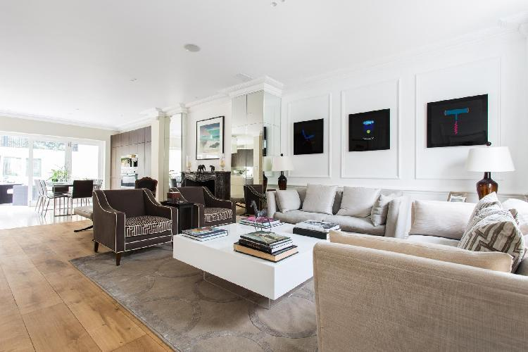 spacious, well-appointed London Waterford Road II luxury apartment
