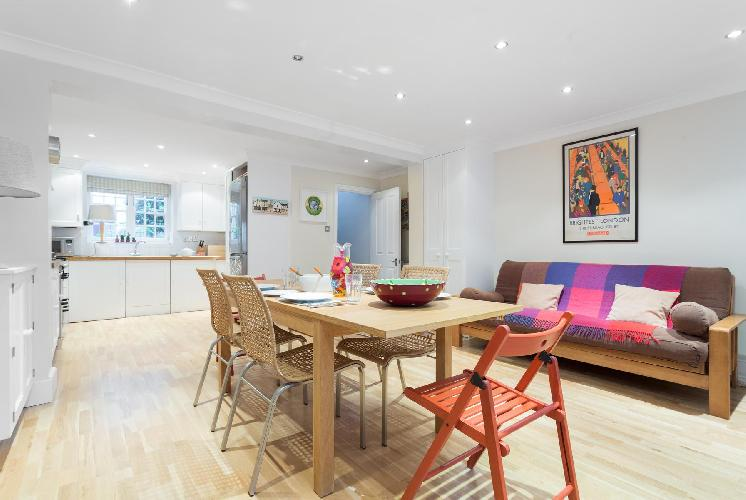awesome open-plan living room of London Remington Street luxury apartment