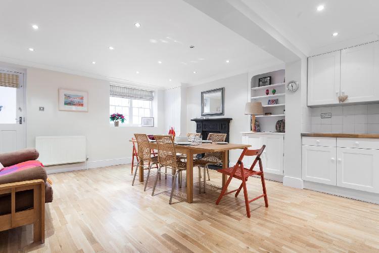 bright and breezy London Remington Street luxury apartment