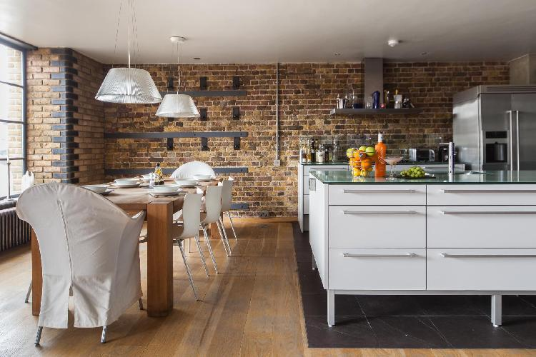 beautiful and cozy London Clink Wharf luxury apartment and vacation rental