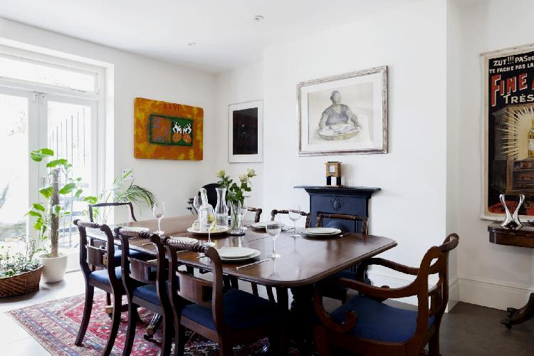 delightful dining area in London Randolph Gardens luxury apartment