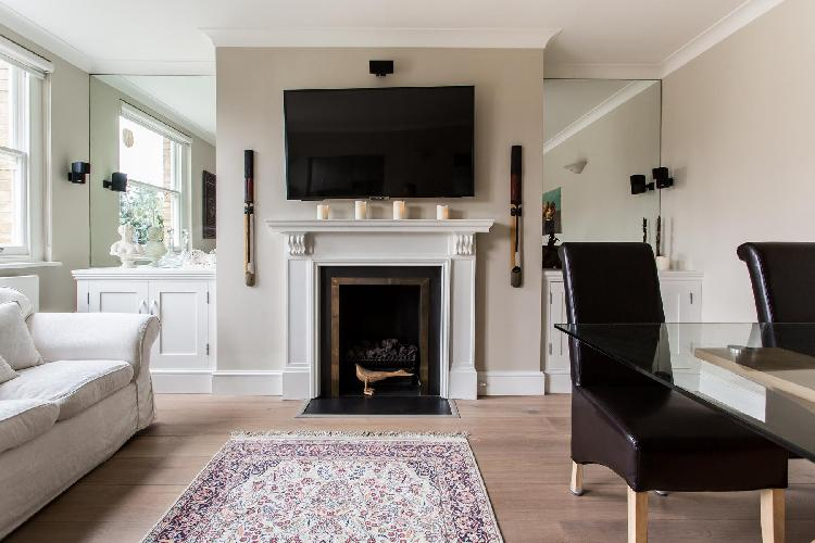 well-designed and laid-out open living room of London Castellain Road IV luxury apartment