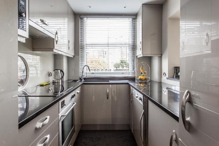 well-designed modern kitchen of London Castellain Road IV luxury apartment