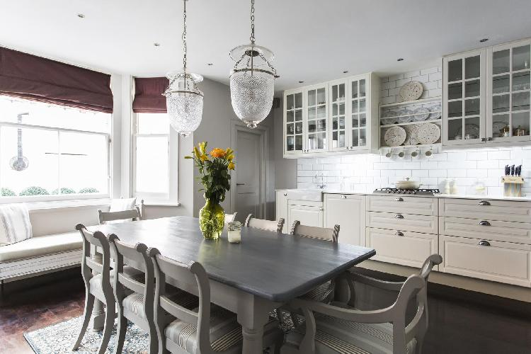 bright and breezy dining area and kitchen of London Edith Place luxury apartment