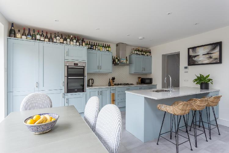 breakfast bar in London Allestree Road luxury apartment