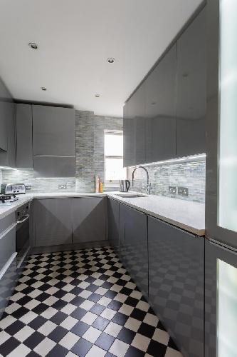cool modern kitchen of London Hyde Park Gate II luxury apartment